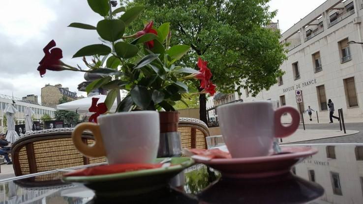Cafe La Place Rue De Montreuil Vincennes