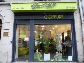 Recherche tous les commerces salon de coiffure paris - Vitrine salon de coiffure ...