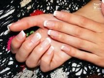 Pose de faux ongles