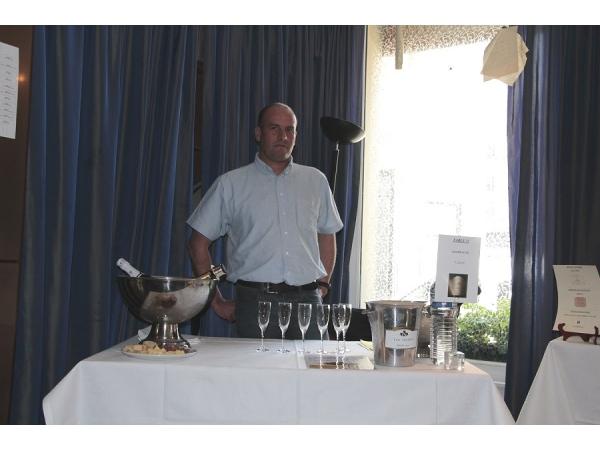 Champagne Cuvée Prestige  Y.Jacopé