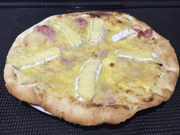 Pizza Camembert