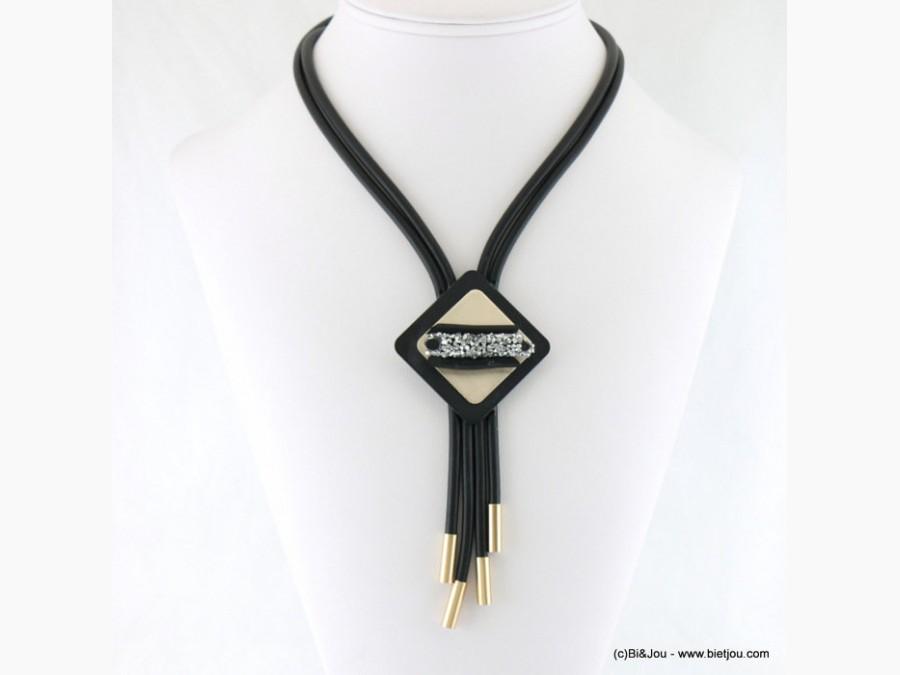 collier-en-gomme-34512